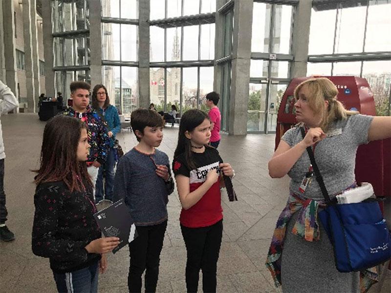 Figure 5 : Élèves du CJL en visite au Musée des beaux-arts du Canada